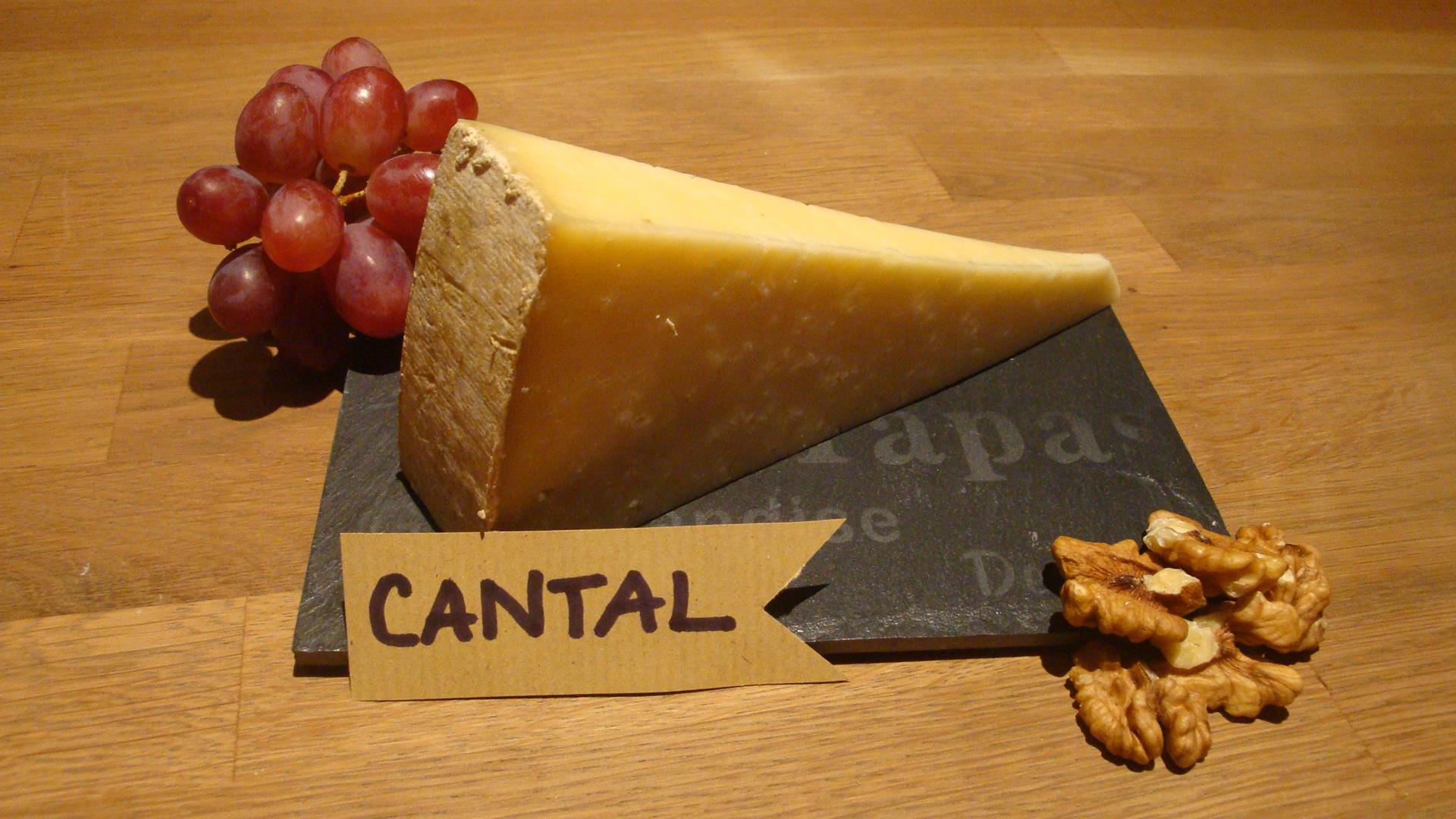les fromages de clairette les fromages d 39 auvergne sont ils en forme les fromages de clairette. Black Bedroom Furniture Sets. Home Design Ideas