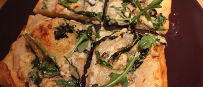 Recette : Pizza blanche aux poires et à la Fourme d'Ambert