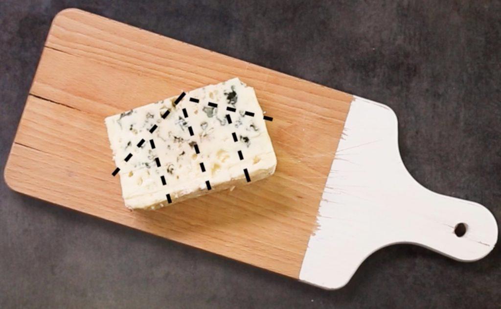 découper les fromages comme le roquefort